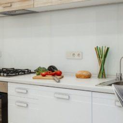 Кухня в студии Arcadia Villa Apartments