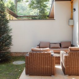 Кресла на террасе Arcadia Villa Apartments