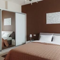 Первая спальня Arcadia Villa Apartments